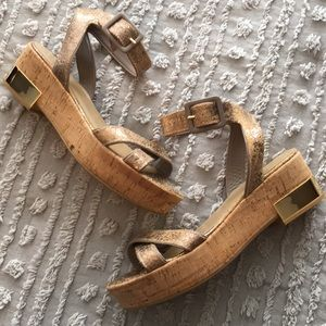 Stuart Weitzman metallic gold leather sandals 9.5